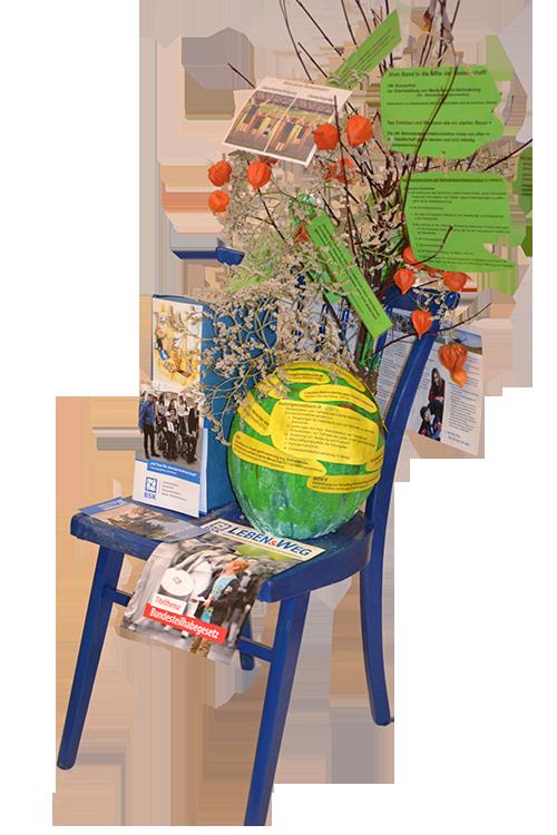 Stuhl-Kunstwerk der Kontaktstelle Selbsthilfe Körberbehinderter