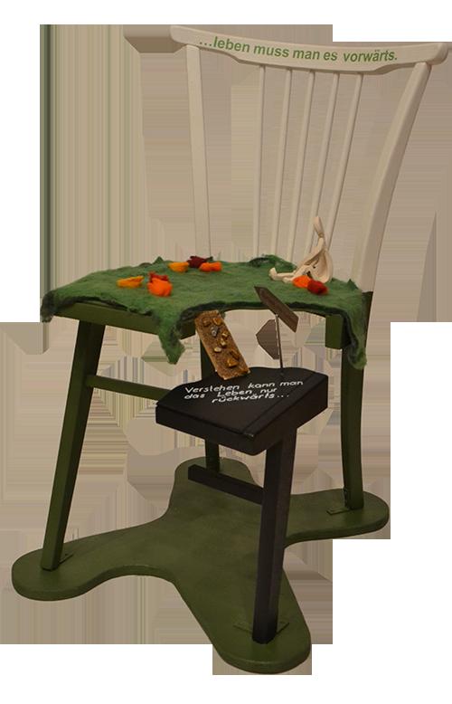 Stuhl-Kunstwerk der Selbsthilfegruppe Verwitwet